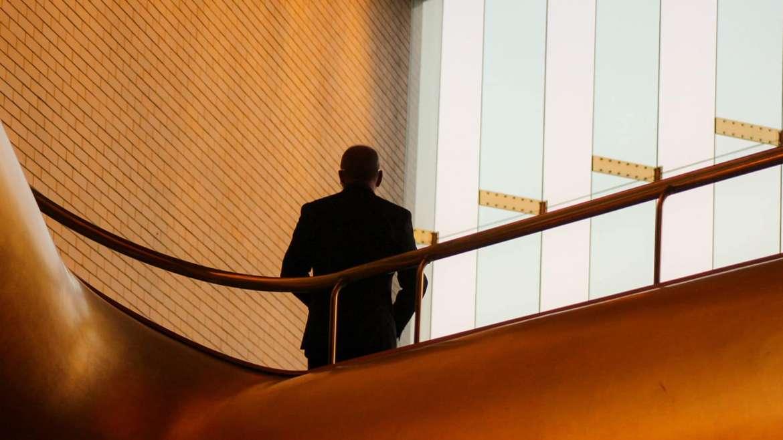 banking_business_mann_in_anzug