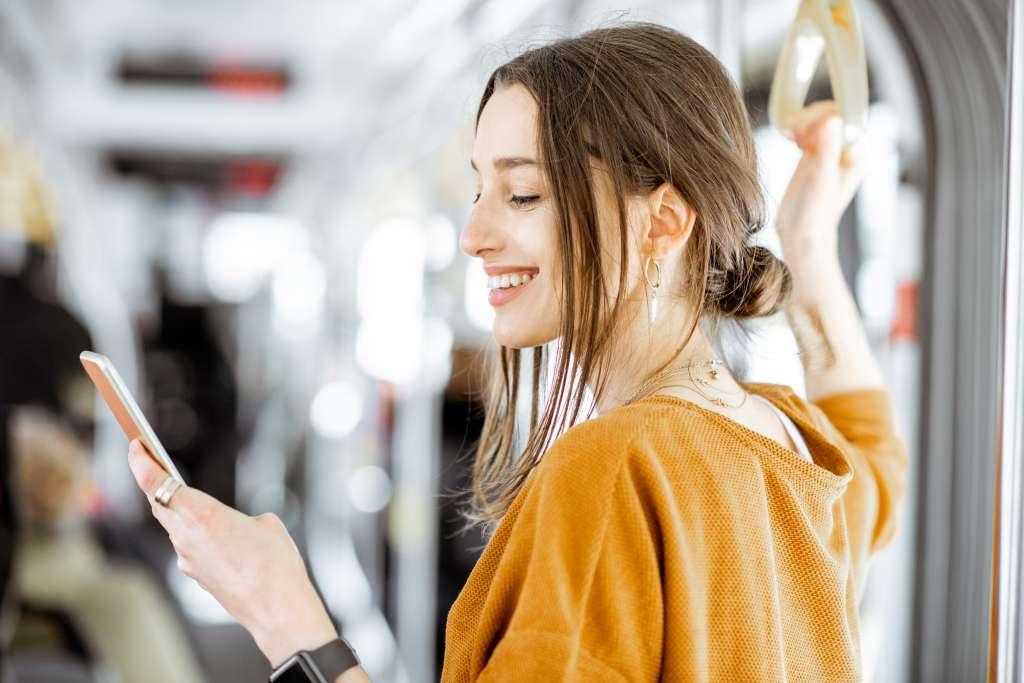 Auch fünf Minuten in der Bahn produktiv nutzen, um Online Anträge zu erstellen.